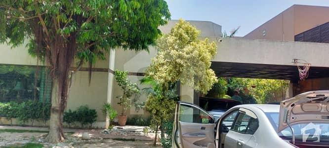 ڈی ایچ اے فیز 3 - بلاک ڈبلیو فیز 3 ڈیفنس (ڈی ایچ اے) لاہور میں 2 کنال مکان 13 کروڑ میں برائے فروخت۔