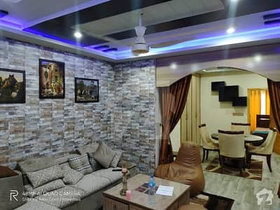 یونیورسٹی ٹاؤن پشاور میں 3 کمروں کا 6 مرلہ فلیٹ 1.2 کروڑ میں برائے فروخت۔