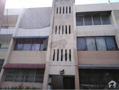 عسکری 5 عسکری لاہور میں 3 کمروں کا 10 مرلہ فلیٹ 1.8 کروڑ میں برائے فروخت۔