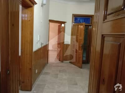 جی ۔ 11 اسلام آباد میں 4 کمروں کا 7 مرلہ مکان 1.2 لاکھ میں کرایہ پر دستیاب ہے۔