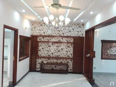 سینٹرل پارک ہاؤسنگ سکیم لاہور میں 10 مرلہ مکان 75 ہزار میں کرایہ پر دستیاب ہے۔