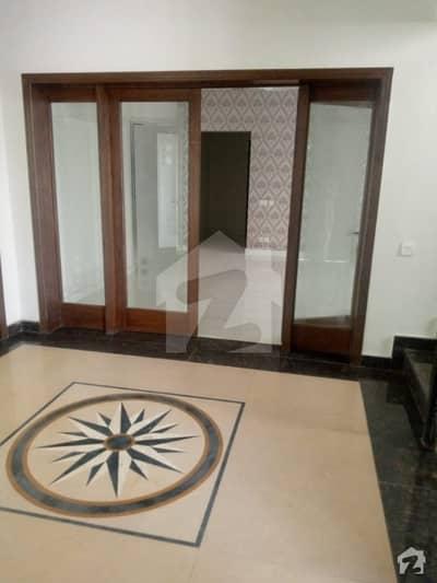 عسکری 9 عسکری لاہور میں 4 کمروں کا 1 کنال مکان 5 کروڑ میں برائے فروخت۔