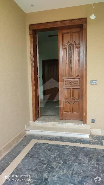 فارمانئیٹس ہاؤسنگ سکیم لاہور میں 3 کمروں کا 5 مرلہ مکان 47 ہزار میں کرایہ پر دستیاب ہے۔
