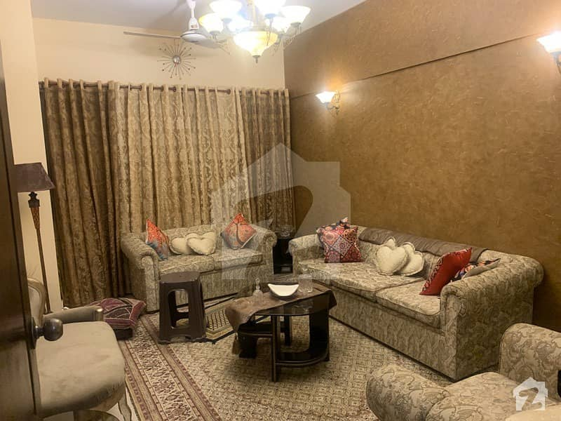 شہید ملت روڈ کراچی میں 3 کمروں کا 7 مرلہ فلیٹ 2.5 کروڑ میں برائے فروخت۔