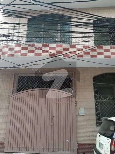 مرغزار آفیسرز کالونی لاہور میں 4 کمروں کا 5 مرلہ مکان 45 ہزار میں کرایہ پر دستیاب ہے۔