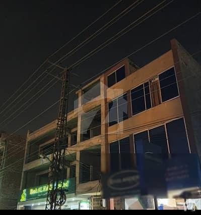 ملتان روڈ لاہور میں 2 کمروں کا 5 مرلہ فلیٹ 22 ہزار میں کرایہ پر دستیاب ہے۔