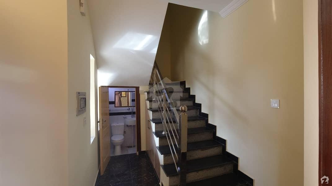 بحریہ ٹاؤن فیز 8 ۔ سفاری ویلی بحریہ ٹاؤن فیز 8 بحریہ ٹاؤن راولپنڈی راولپنڈی میں 5 کمروں کا 7 مرلہ مکان 1.75 کروڑ میں برائے فروخت۔