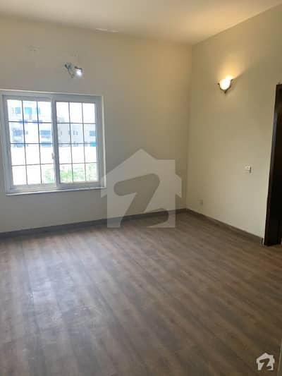 وفاقی کالونی لاہور میں 3 کمروں کا 8 مرلہ فلیٹ 1.6 کروڑ میں برائے فروخت۔