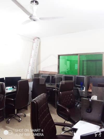 مین بلیوارڈ گلبرگ گلبرگ لاہور میں 8 مرلہ دفتر 1.6 کروڑ میں برائے فروخت۔