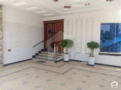1 Kanal Beautiful Corner House Newly Constructed For Sale