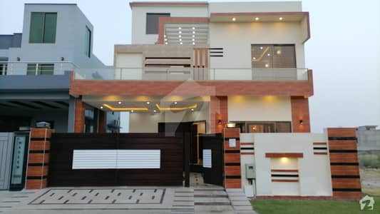 ڈی ایچ اے 11 رہبر لاہور میں 5 کمروں کا 10 مرلہ مکان 3 کروڑ میں برائے فروخت۔