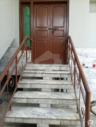 ورسک روڈ پشاور میں 3 کمروں کا 5 مرلہ زیریں پورشن 30 ہزار میں کرایہ پر دستیاب ہے۔