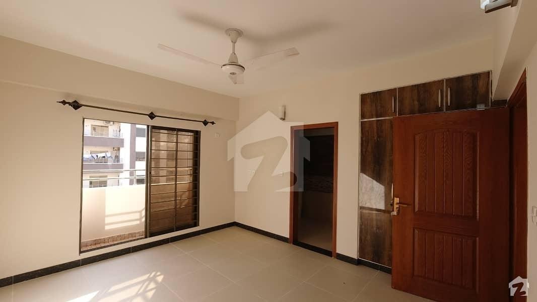 عسکری 5 ملیر کنٹونمنٹ کینٹ کراچی میں 4 کمروں کا 13 مرلہ فلیٹ 90 ہزار میں کرایہ پر دستیاب ہے۔