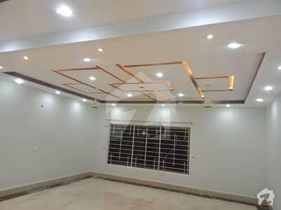 نیسپاک سکیم فیز 3 ڈیفینس روڈ لاہور میں 3 کمروں کا 1 کنال بالائی پورشن 55 ہزار میں کرایہ پر دستیاب ہے۔