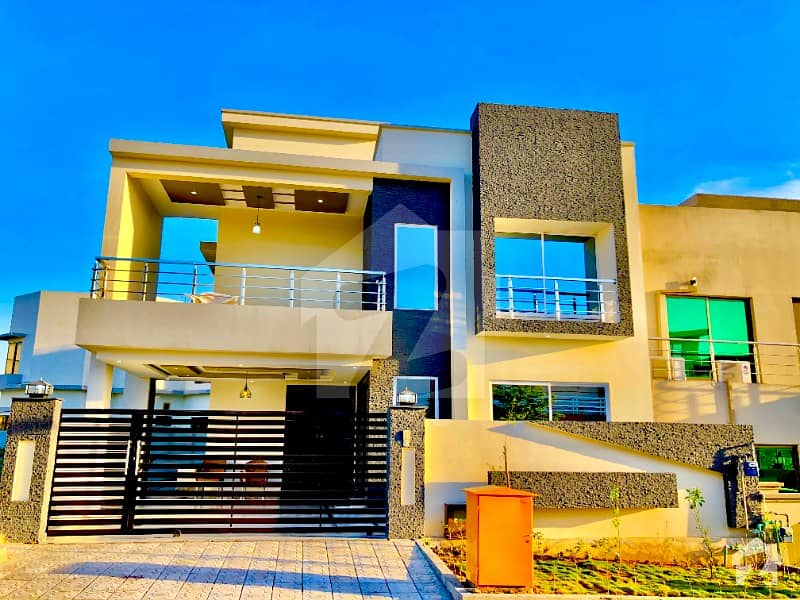 Amazing House At Central Top Location