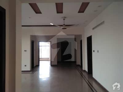ڈی ایچ اے فیز 6 ڈیفنس (ڈی ایچ اے) لاہور میں 3 کمروں کا 1 کنال بالائی پورشن 70 ہزار میں کرایہ پر دستیاب ہے۔