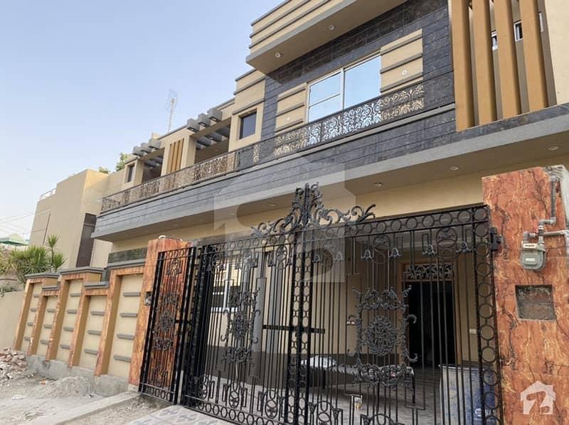 10 Marla Brand New House Near Market Ideal Location