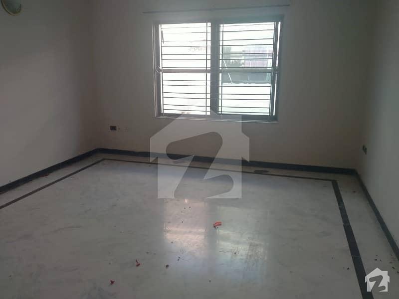 ای ۔ 11/3 ای ۔ 11 اسلام آباد میں 6 کمروں کا 1 کنال مکان 7.7 کروڑ میں برائے فروخت۔