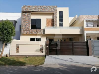Spacious Double Storey 10 Marla House Available For Sale In Wapda Town Phase 2 - Block N