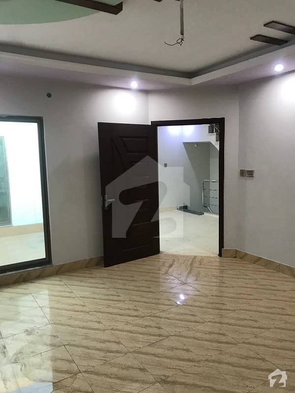 غوث گارڈن - فیز 3 غوث گارڈن لاہور میں 3 کمروں کا 5 مرلہ مکان 30 ہزار میں کرایہ پر دستیاب ہے۔