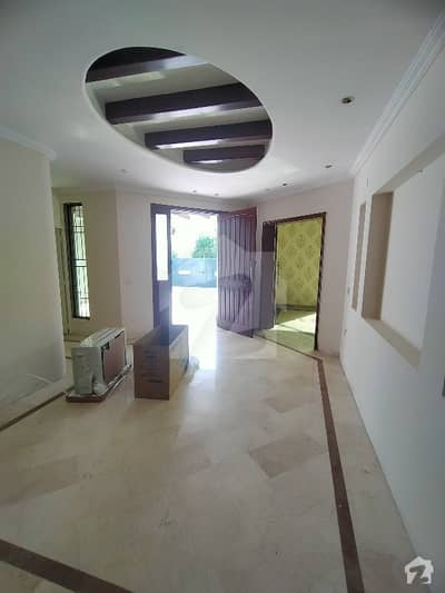 ڈی ایچ اے فیز 3 - بلاک ڈبلیو فیز 3 ڈیفنس (ڈی ایچ اے) لاہور میں 5 کمروں کا 1 کنال مکان 4.8 کروڑ میں برائے فروخت۔