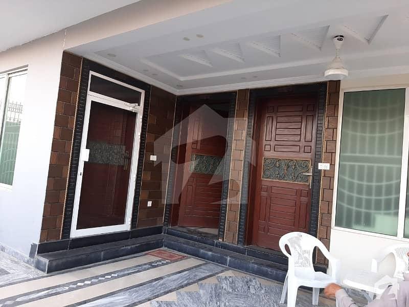 جی ۔ 15 اسلام آباد میں 7 کمروں کا 12 مرلہ مکان 1.2 لاکھ میں کرایہ پر دستیاب ہے۔