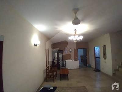 ائیرپورٹ روڈ لاہور میں 3 کمروں کا 10 مرلہ مکان 63 ہزار میں کرایہ پر دستیاب ہے۔