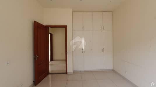 کلفٹن ۔ بلاک 5 کلفٹن کراچی میں 11 کمروں کا 2 کنال مکان 11 لاکھ میں کرایہ پر دستیاب ہے۔