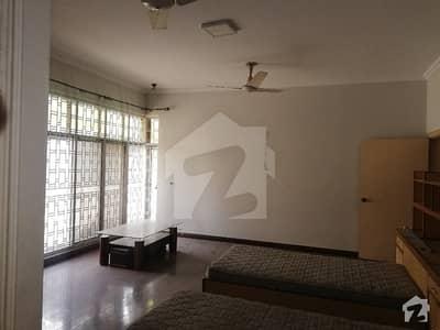 ڈی ایچ اے فیز 2 ڈیفنس (ڈی ایچ اے) لاہور میں 3 کمروں کا 1 کنال بالائی پورشن 60 ہزار میں کرایہ پر دستیاب ہے۔