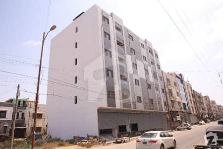 جامی کمرشل ایریا ڈی ایچ اے فیز 7 ڈی ایچ اے کراچی میں 4 کمروں کا 8 مرلہ فلیٹ 3.5 کروڑ میں برائے فروخت۔