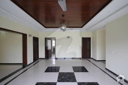 ڈی ایچ اے فیز 3 ڈیفنس (ڈی ایچ اے) لاہور میں 3 کمروں کا 1 کنال بالائی پورشن 85 ہزار میں کرایہ پر دستیاب ہے۔