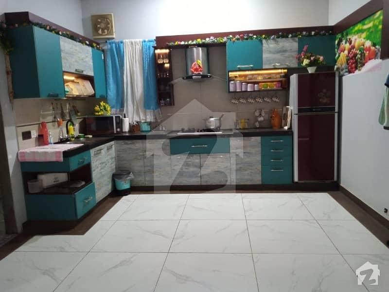 زمان ٹاؤن کورنگی کراچی میں 5 کمروں کا 9 مرلہ مکان 3 کروڑ میں برائے فروخت۔