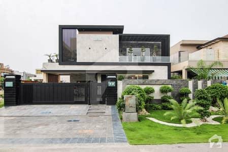 ڈی ایچ اے فیز 6 ڈیفنس (ڈی ایچ اے) لاہور میں 5 کمروں کا 1 کنال مکان 1.55 لاکھ میں کرایہ پر دستیاب ہے۔