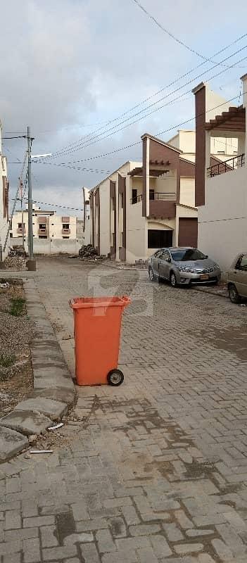 سُپر ہائی وے کراچی میں 4 کمروں کا 5 مرلہ مکان 40 ہزار میں کرایہ پر دستیاب ہے۔