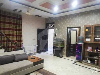 Allama Iqbal Town Main Wahdat Road 10-Marla Marble House For Sale 6-Bedroom Attach WashRoom. .
