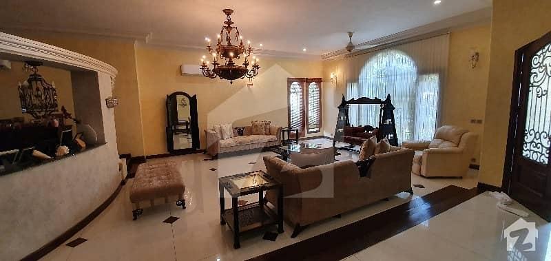 سحر کمرشل ایریا ڈی ایچ اے فیز 7 ڈی ایچ اے کراچی میں 6 کمروں کا 2 کنال مکان 20 کروڑ میں برائے فروخت۔