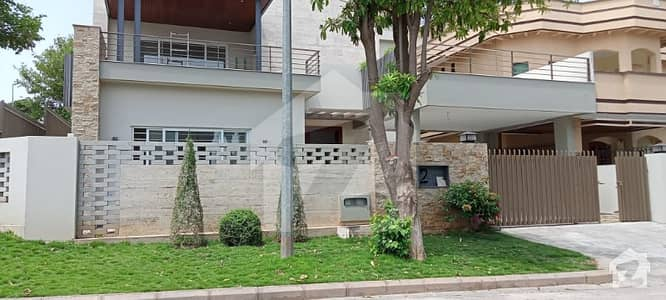6 bad room double units house for sale