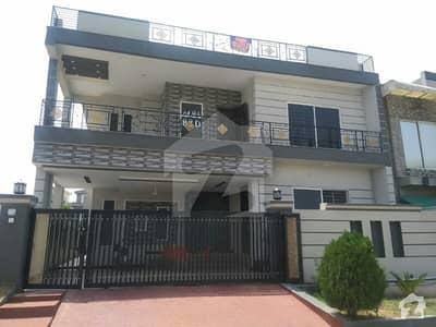 10 Marla Corner Beautiful House For Sale