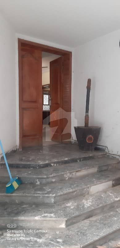 F-11 Most Beautiful Prime Location Old House For Sale Very Reasonable Price Dead End Street Margalla Facing