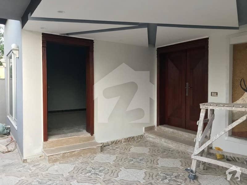 بحریہ آرچرڈ فیز 1 بحریہ آرچرڈ لاہور میں 5 کمروں کا 8 مرلہ مکان 1.7 کروڑ میں برائے فروخت۔