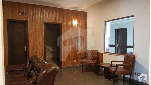 ڈی ایچ اے فیز 8 ڈیفنس (ڈی ایچ اے) لاہور میں 3 کمروں کا 10 مرلہ فلیٹ 1.85 کروڑ میں برائے فروخت۔