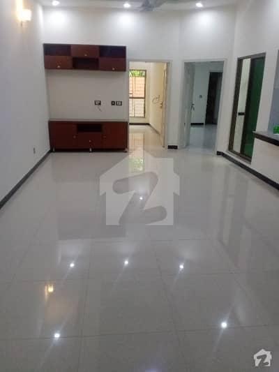 جوہر ٹاؤن فیز 1 - بلاک سی 2 جوہر ٹاؤن فیز 1 جوہر ٹاؤن لاہور میں 6 کمروں کا 8 مرلہ مکان 90 ہزار میں کرایہ پر دستیاب ہے۔