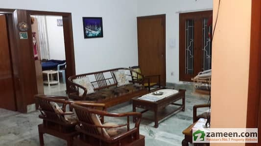 A Residential house for sale at Gillani colony Multan