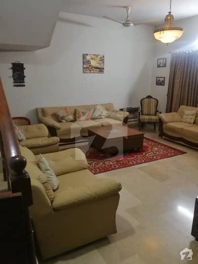 گلریز ہاؤسنگ سکیم راولپنڈی میں 4 کمروں کا 10 مرلہ مکان 2.7 کروڑ میں برائے فروخت۔