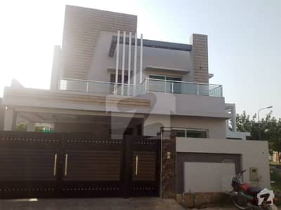 ویلینشیاء ہاؤسنگ سوسائٹی لاہور میں 3 کمروں کا 1 کنال بالائی پورشن 50 ہزار میں کرایہ پر دستیاب ہے۔