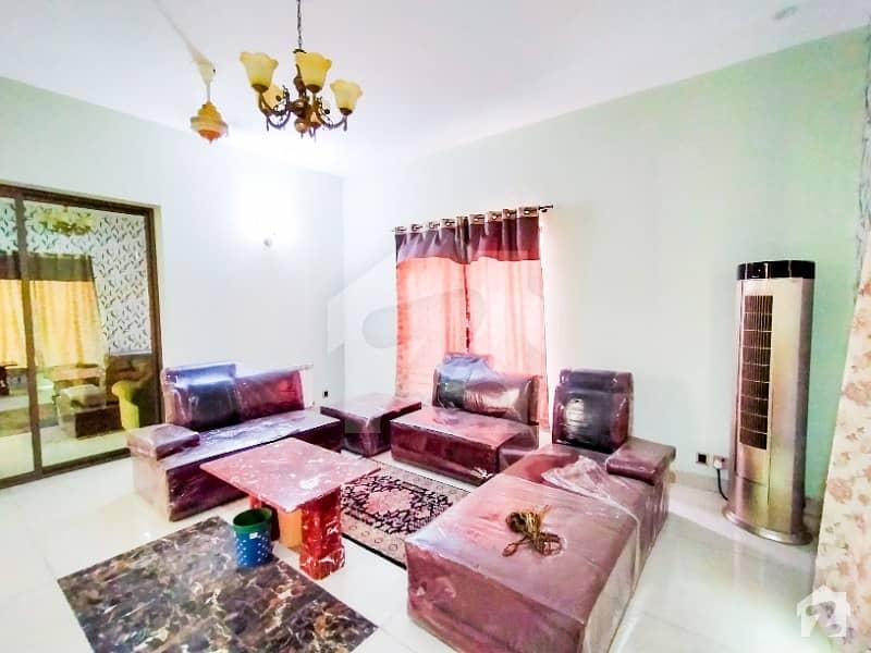 اسٹیٹ لائف ہاؤسنگ فیز 1 اسٹیٹ لائف ہاؤسنگ سوسائٹی لاہور میں 4 کمروں کا 1 کنال مکان 3.55 کروڑ میں برائے فروخت۔