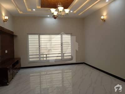 ڈی ایچ اے ڈیفینس فیز 2 ڈی ایچ اے ڈیفینس اسلام آباد میں 3 کمروں کا 1 کنال بالائی پورشن 75 ہزار میں کرایہ پر دستیاب ہے۔