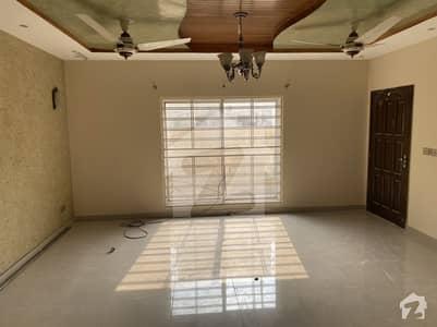 11 Marla Corner House For Rent