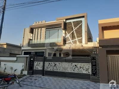 اقبال ایونیو فیز 3 اقبال ایوینیو لاہور میں 2 کمروں کا 1 کنال مکان 70 ہزار میں کرایہ پر دستیاب ہے۔