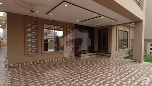 پنجاب گورنمنٹ ایمپلائیز سوسائٹی لاہور میں 6 کمروں کا 10 مرلہ مکان 1 لاکھ میں کرایہ پر دستیاب ہے۔